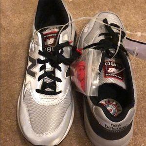 New balance size 9 men's tennis shoes elite 580